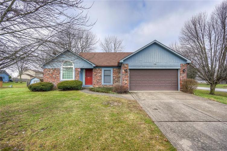 7508 Old Oakland Blvd West Drive Indianapolis, IN 46236 | MLS 21689282 | photo 1