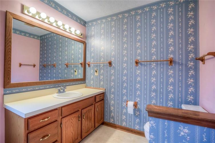 7508 Old Oakland Blvd West Drive Indianapolis, IN 46236 | MLS 21689282 | photo 18