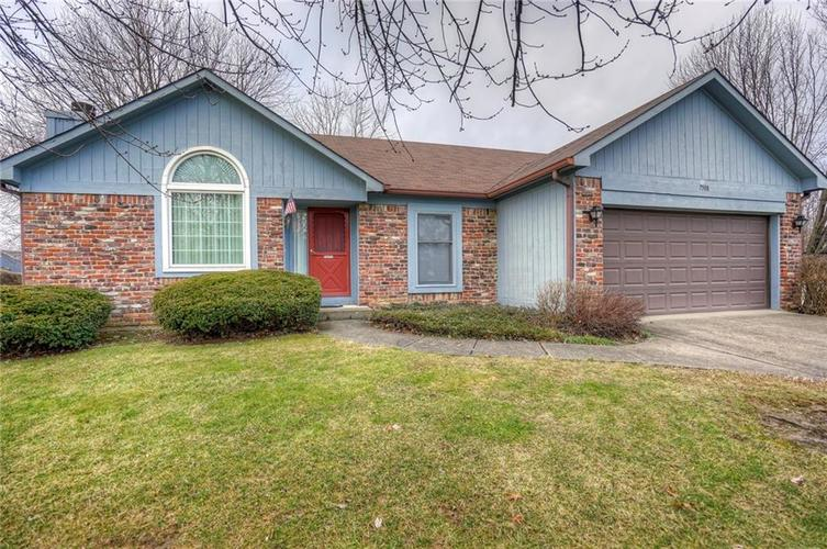 7508 Old Oakland Blvd West Drive Indianapolis, IN 46236 | MLS 21689282 | photo 2