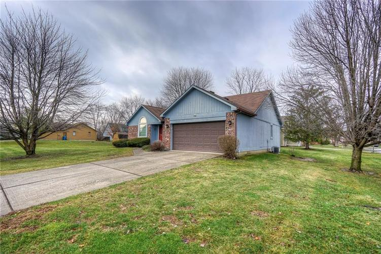 7508 Old Oakland Blvd West Drive Indianapolis, IN 46236 | MLS 21689282 | photo 24