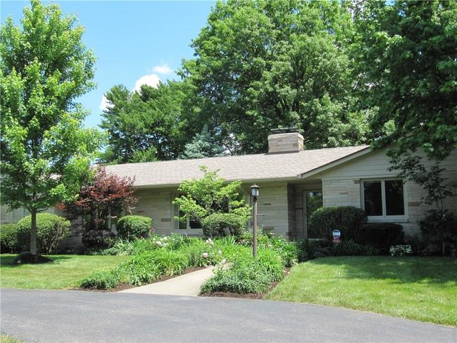 7585 Holliday Drive W Indianapolis, IN 46260 | MLS 21689290 | photo 1