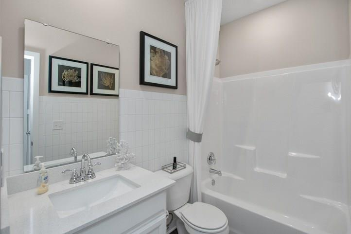 9746 Sonnette Circle Fishers, IN 46040 | MLS 21689346 | photo 2