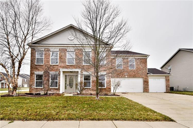 6712 Eastland Drive Brownsburg, IN 46112 | MLS 21689404 | photo 1