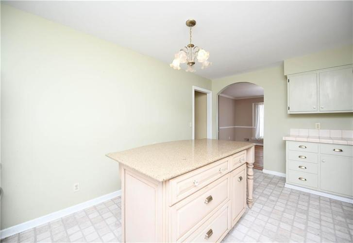 3907 Haverhill Drive Indianapolis, IN 46240 | MLS 21689447 | photo 11