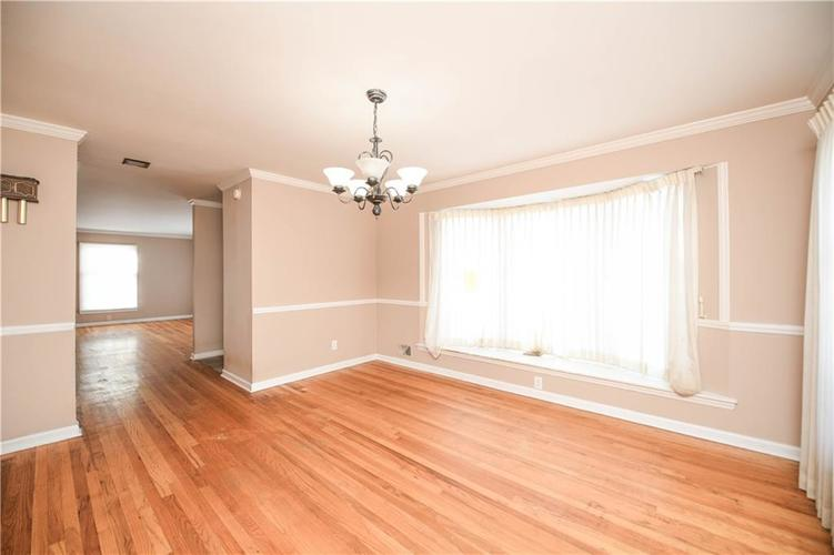 3907 Haverhill Drive Indianapolis, IN 46240 | MLS 21689447 | photo 12