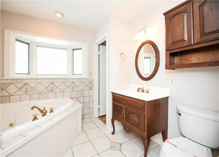 3907 Haverhill Drive Indianapolis, IN 46240 | MLS 21689447 | photo 23