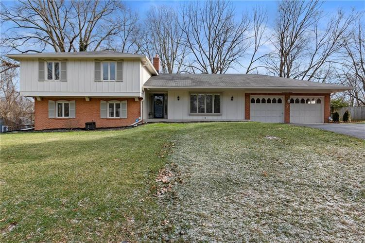 7701  Camelback Drive Indianapolis, IN 46250 | MLS 21689480