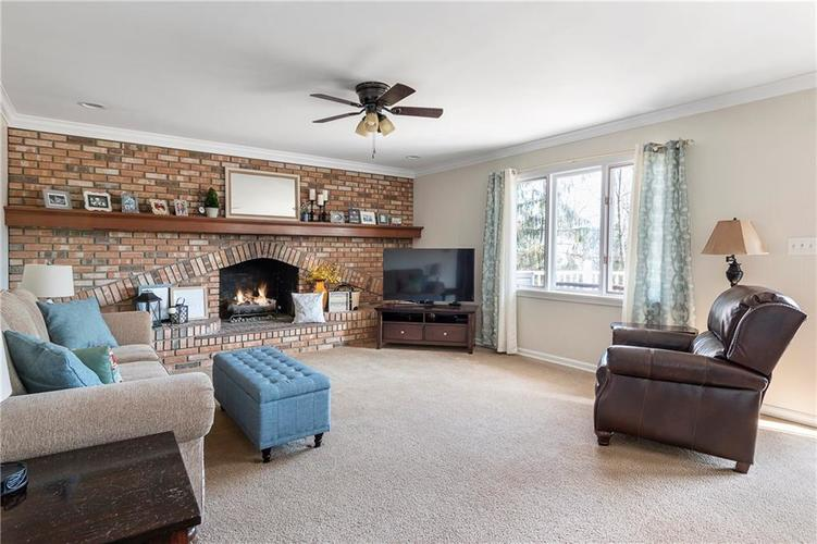 7701 Camelback Drive Indianapolis, IN 46250 | MLS 21689480 | photo 11