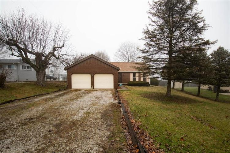660 W Lincoln Street Danville, IN 46122 | MLS 21689494 | photo 1