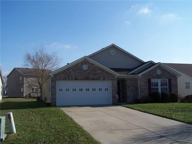 909 Runnymede Drive Greenfield, IN 46140 | MLS 21689542 | photo 1