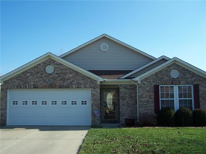 909 Runnymede Drive Greenfield, IN 46140 | MLS 21689542 | photo 2