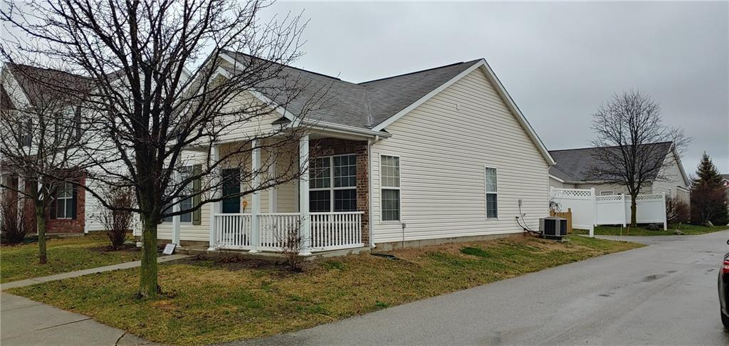 951 Kimberly Avenue Westfield, IN 46074 | MLS 21689616 | photo 2