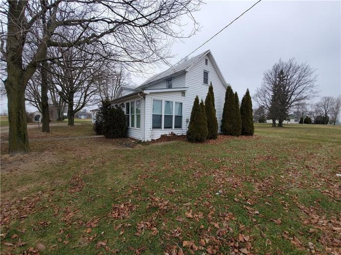 1812 S State Road 32 Union City, IN 47390 | MLS 21689705 | photo 1