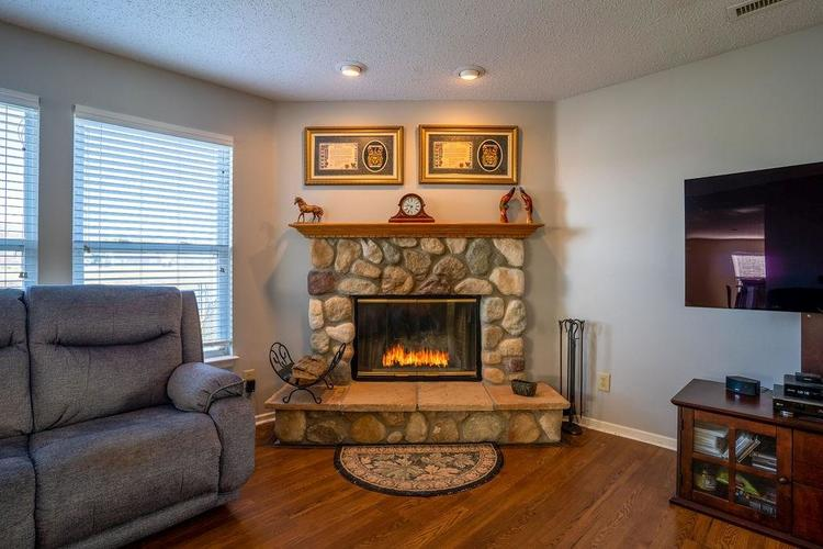 5422 Floating Leaf Drive Indianapolis, IN 46237 | MLS 21689759 | photo 13