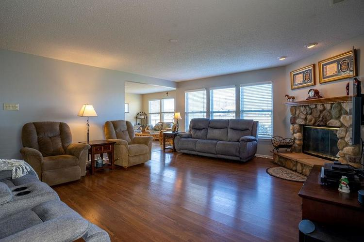 5422 Floating Leaf Drive Indianapolis, IN 46237 | MLS 21689759 | photo 14