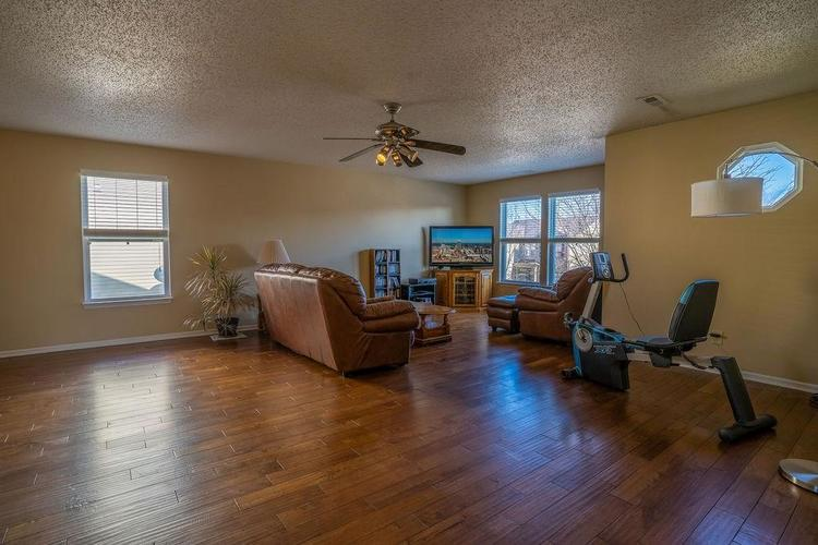 5422 Floating Leaf Drive Indianapolis, IN 46237 | MLS 21689759 | photo 23
