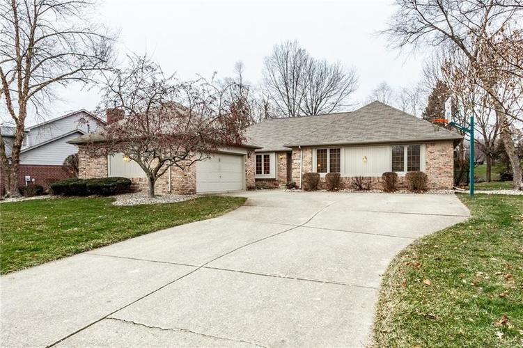 6564 Mossy Rock Lane Indianapolis, IN 46237 | MLS 21689801 | photo 1