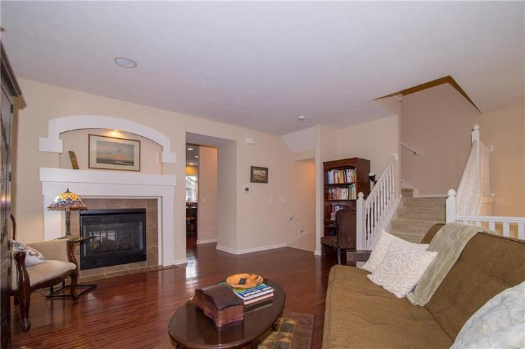 2350 The Springs Drive #15 Indianapolis, IN 46260 | MLS 21689842 | photo 10