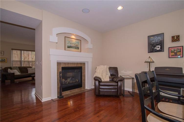 2350 The Springs Drive #15 Indianapolis, IN 46260 | MLS 21689842 | photo 11
