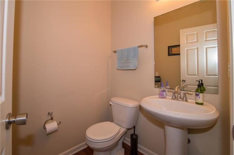 2350 The Springs Drive #15 Indianapolis, IN 46260 | MLS 21689842 | photo 15