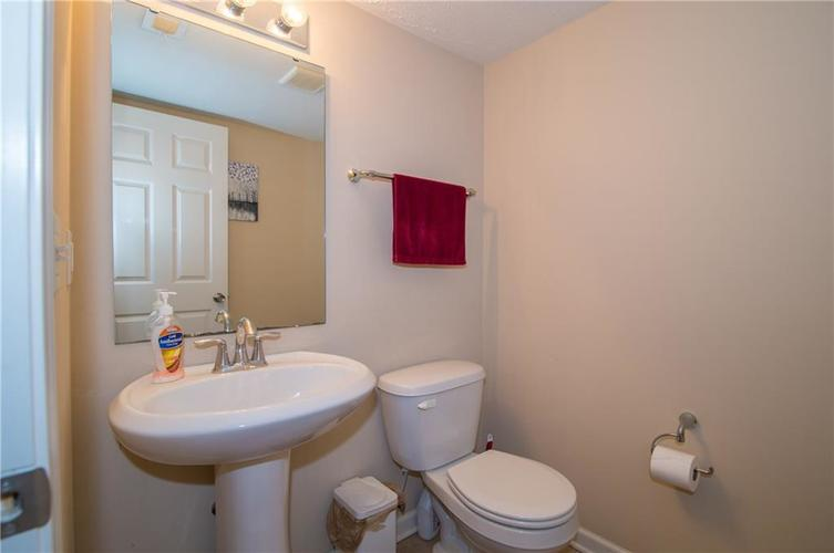 2350 The Springs Drive #15 Indianapolis, IN 46260 | MLS 21689842 | photo 7