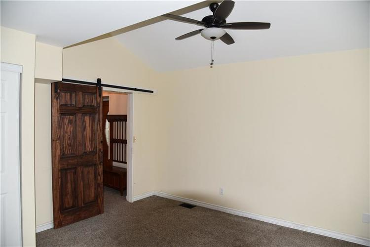 7943 N York Road Monrovia, IN 46157 | MLS 21689863 | photo 17