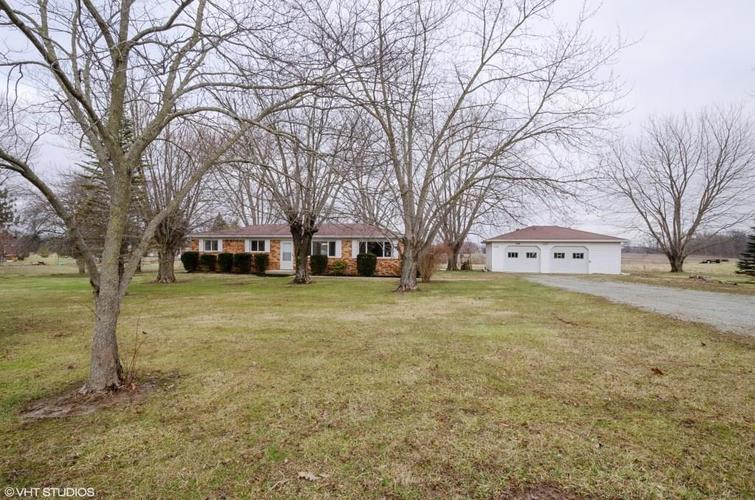 5440 N County Road 300 E New Castle, IN 47362 | MLS 21689894 | photo 2