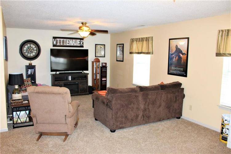 9196 Princeton Circle Plainfield, IN 46168 | MLS 21690016 | photo 18