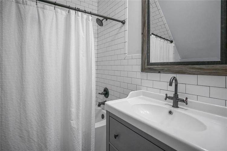 723 E McCarty Street Indianapolis, IN 46203 | MLS 21690054 | photo 26