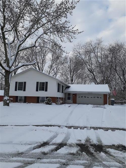 3903  IVORY Way Indianapolis, IN 46237 | MLS 21690060