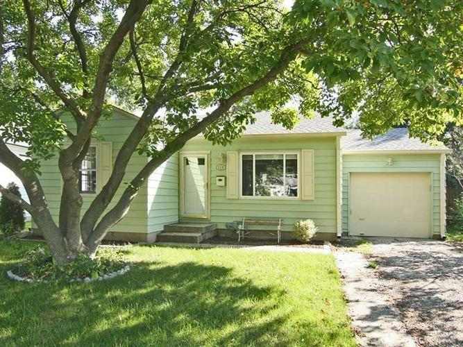5237 NORWALDO Avenue Indianapolis IN 46220 | MLS 21690067 | photo 1