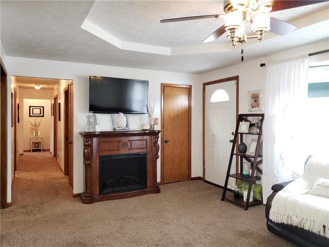 2805 E DUDLEY Avenue Indianapolis, IN 46227 | MLS 21690075 | photo 12