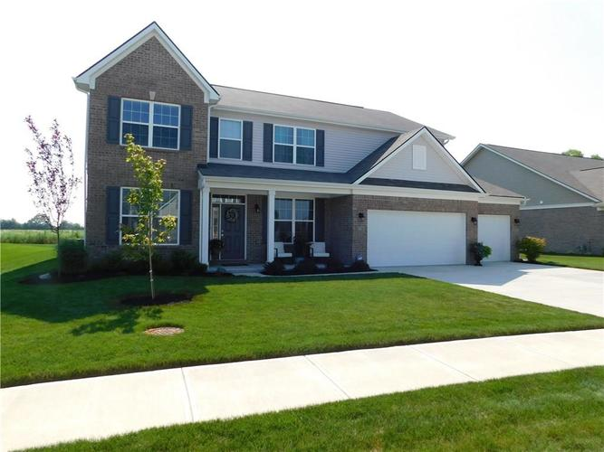 9661 N Port Drive McCordsville, IN 46055 | MLS 21690107