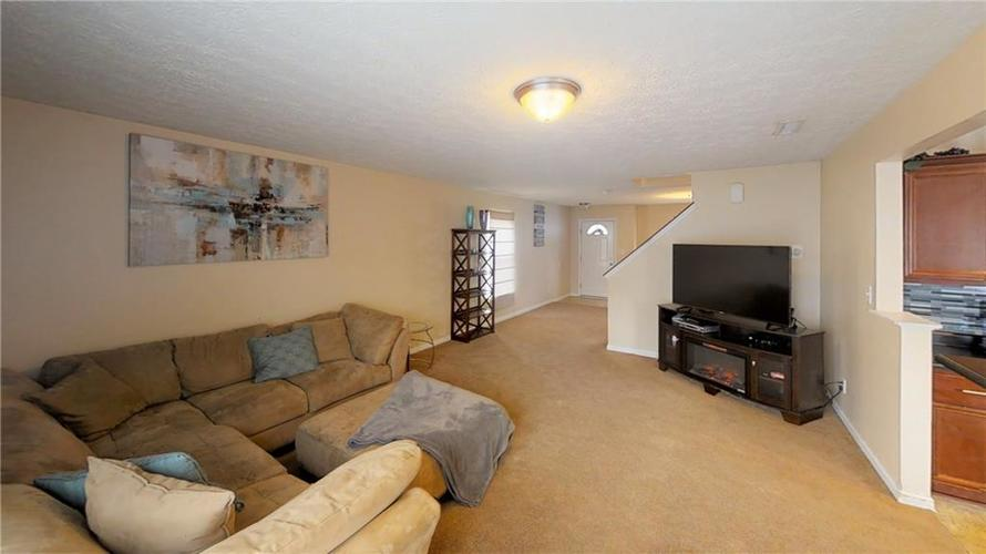 11303 Cuyahoga Drive Indianapolis, IN 46235 | MLS 21690136 | photo 10