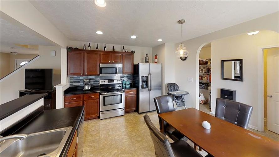 11303 Cuyahoga Drive Indianapolis, IN 46235 | MLS 21690136 | photo 14