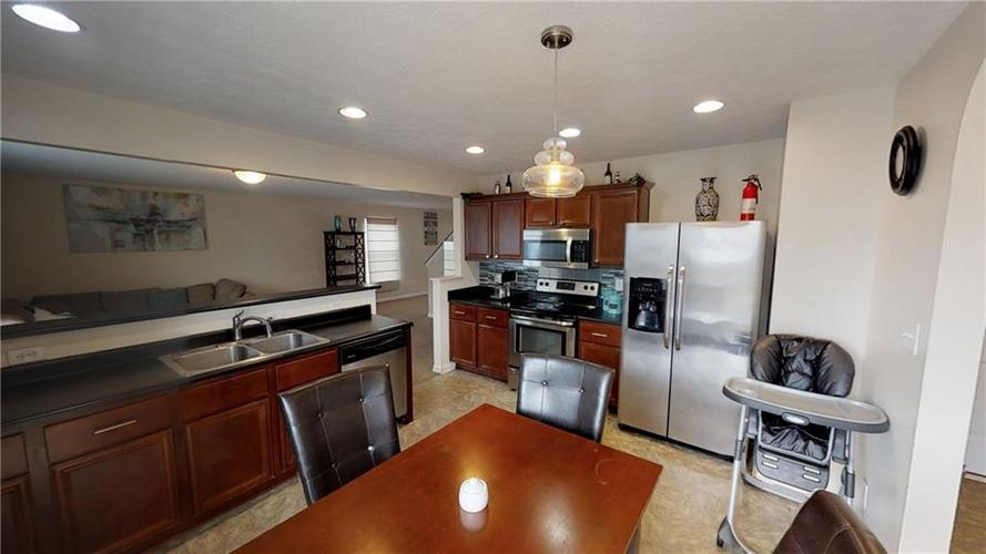 11303 Cuyahoga Drive Indianapolis, IN 46235 | MLS 21690136 | photo 15