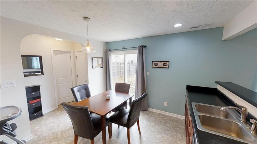 11303 Cuyahoga Drive Indianapolis, IN 46235 | MLS 21690136 | photo 16