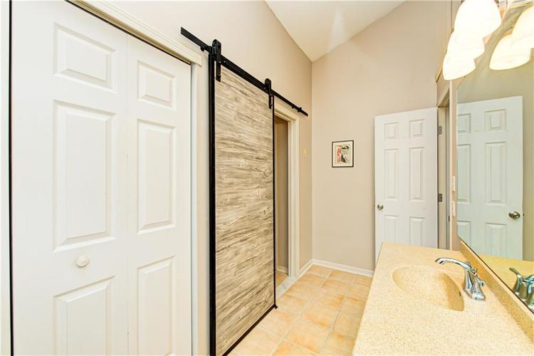 9449 Colony Pointe Drive E Indianapolis, IN 46250 | MLS 21690144 | photo 14