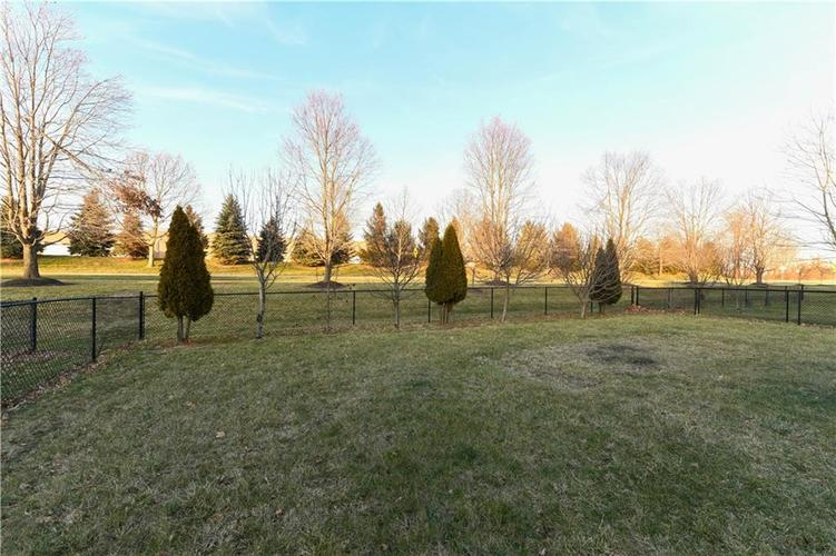 8391 Glen Highlands Drive Indianapolis, IN 46236 | MLS 21690162 | photo 3