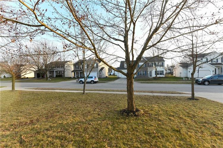 8391 Glen Highlands Drive Indianapolis, IN 46236 | MLS 21690162 | photo 7
