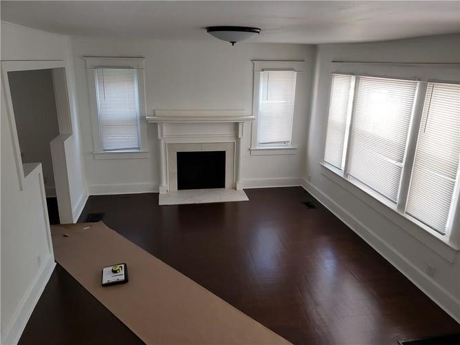 5004 E New York Street Indianapolis, IN 46201 | MLS 21690204 | photo 11