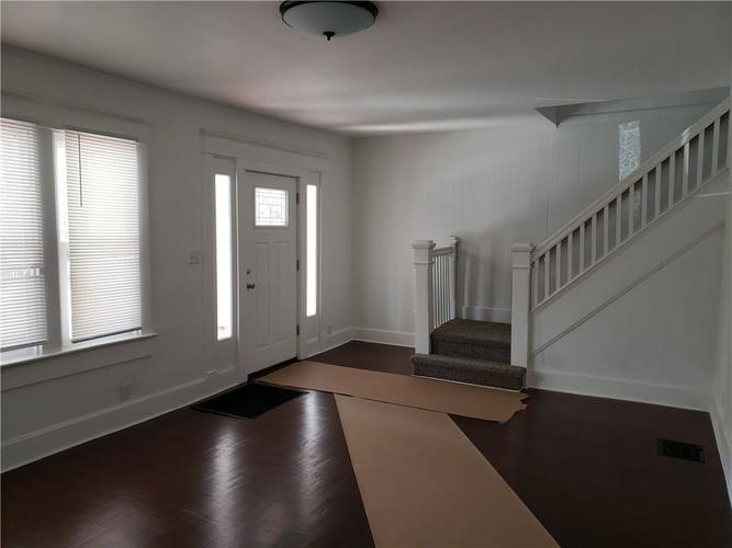 5004 E New York Street Indianapolis, IN 46201 | MLS 21690204 | photo 13