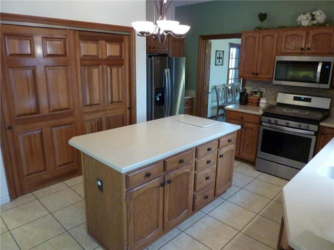 6371 S County Road 600 E Plainfield, IN 46168 | MLS 21690288 | photo 12