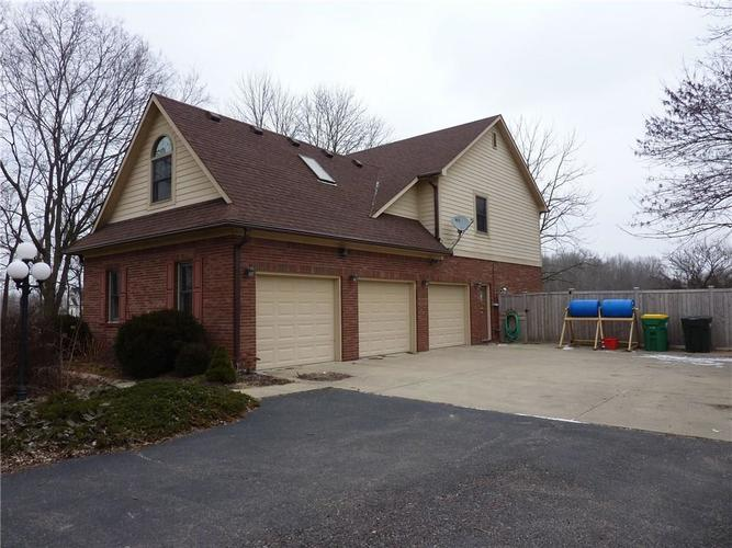 6371 S County Road 600 E Plainfield, IN 46168 | MLS 21690288 | photo 3