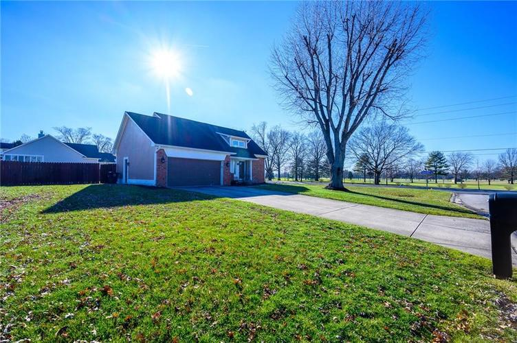 11813 Golf Course Drive Indianapolis, IN 46236 | MLS 21690359 | photo 1