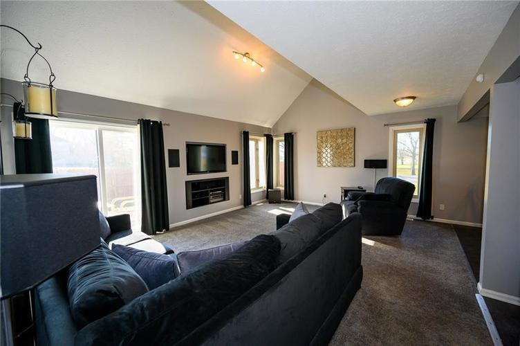 11813 Golf Course Drive Indianapolis, IN 46236 | MLS 21690359 | photo 2