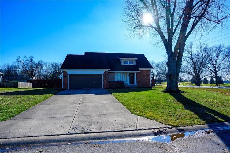 11813 Golf Course Drive Indianapolis, IN 46236 | MLS 21690359 | photo 23