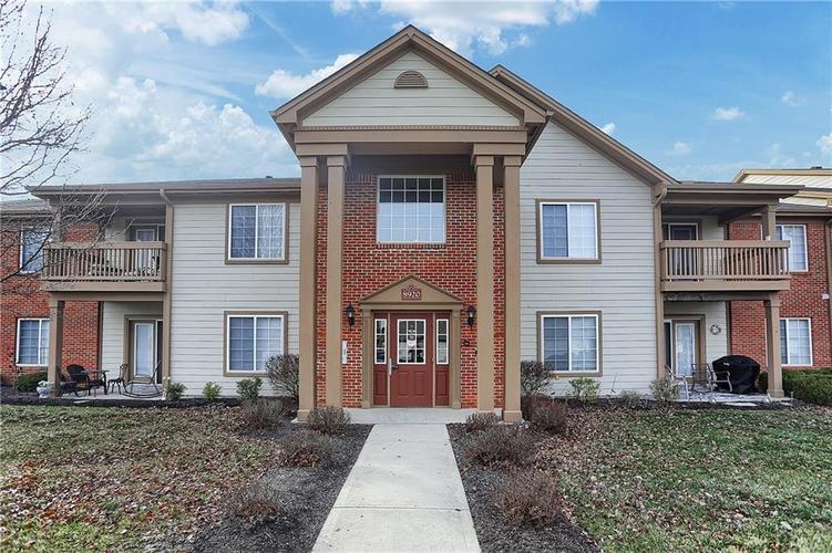 8920 Hunters Creek Drive #102 Indianapolis, IN 46227 | MLS 21690389 | photo 1