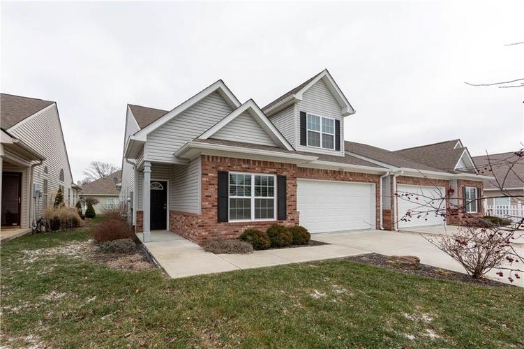 2733  Cadogan Drive Greenwood, IN 46143 | MLS 21690422