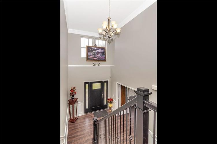 19368 Searay Drive Noblesville, IN 46060 | MLS 21690491 | photo 2